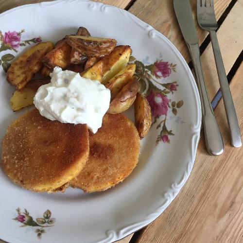 Knusperkürbis mit Kartoffelspalten